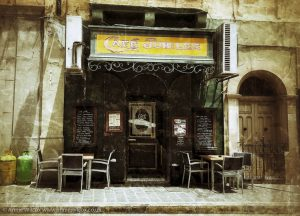 Annie_Wilcox_Photography_travelling_with_a_camera_Gozo_Rabat_Victoria_Pjazza_Indipendenza_cafe_jubilee
