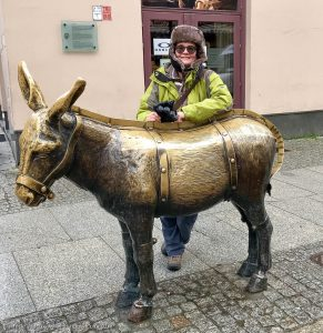 The Flogging Donkey, bronze statue in the main square